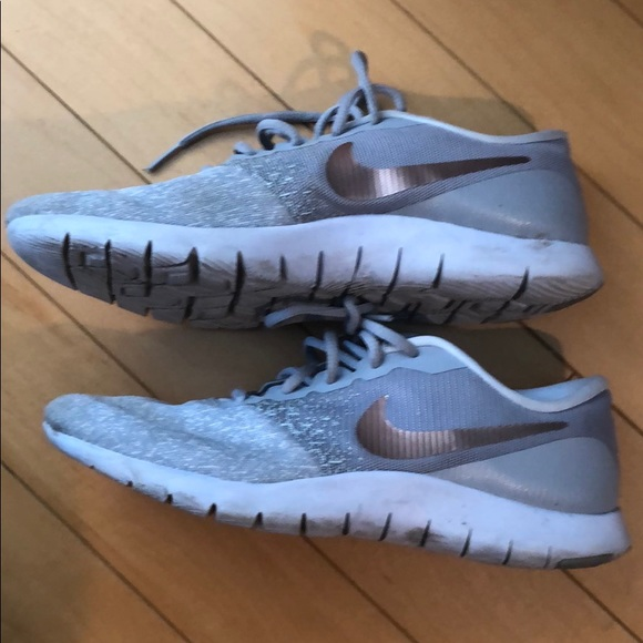 Nike Shoes | Flex Contact Sneakers